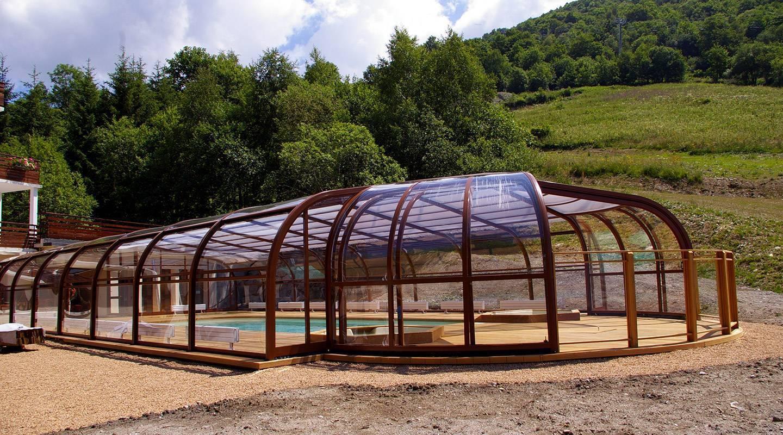 ¿Sabes qué ventajas proporciona instalar una cubierta para tu piscina?