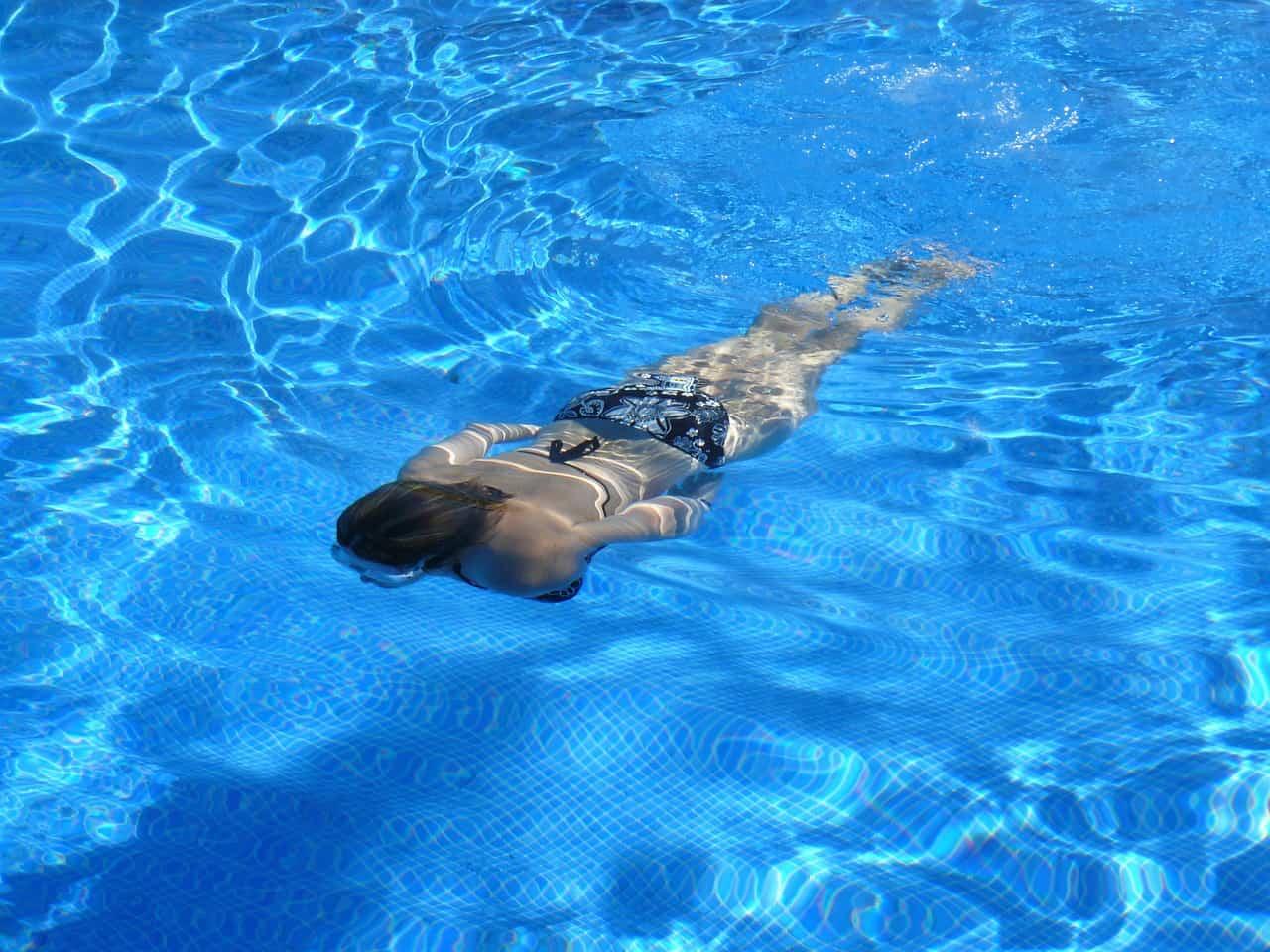 ¿Cómo elevar el pH del agua de nuestra piscina?